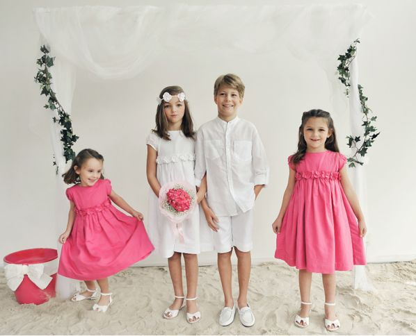How to choose flower girl dresses for relaxed happy children for Wedding dresses for child