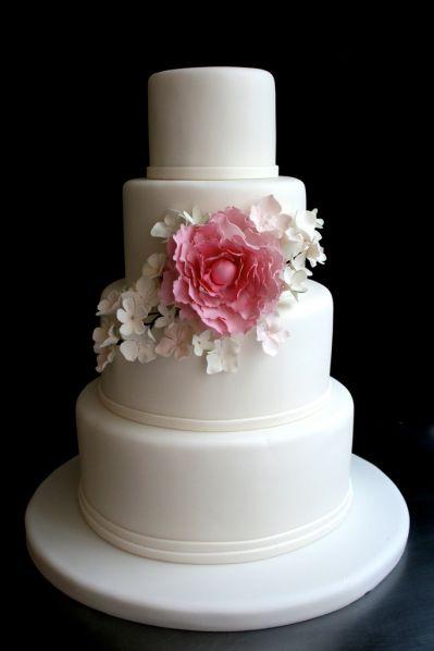 paste lpink wedding cake