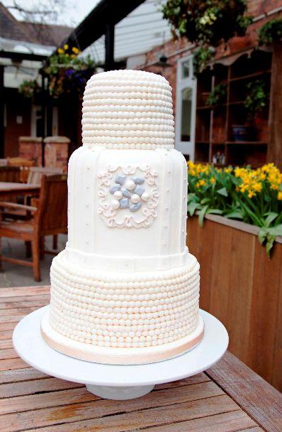 vintage chic wedding cake