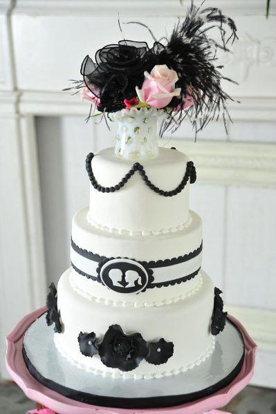 black and white chic wedding cake