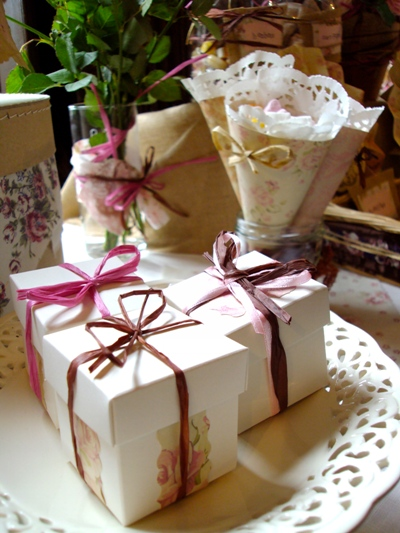 shabby chic wedding favours