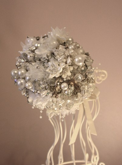 vintage glamour jewellery bouquet
