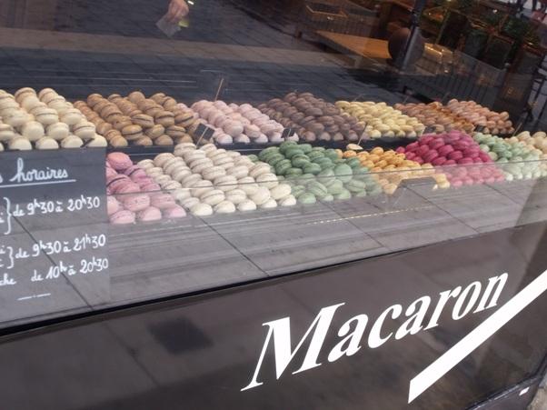 macarons bordeaux