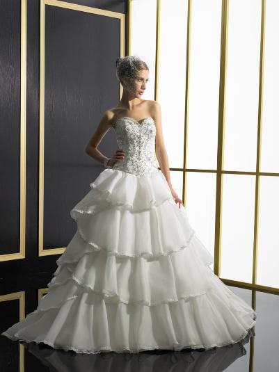 tierred wedding dress
