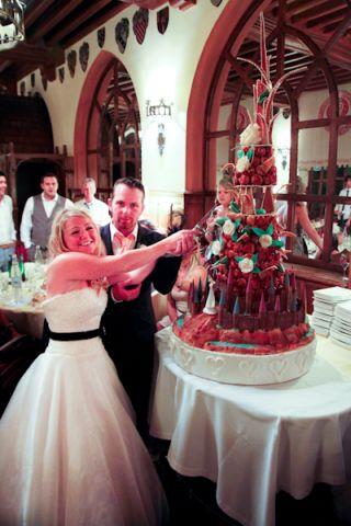 cutting cake france
