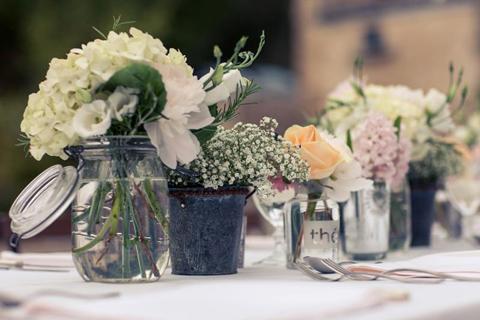 shabby chic wedding flowers