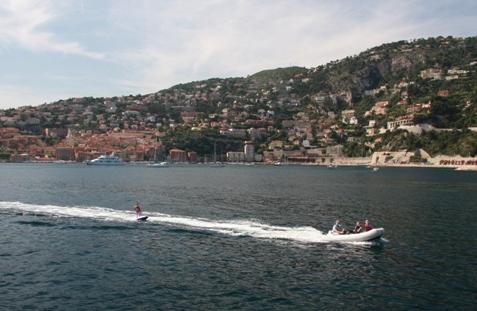 yacht charter honeymoon