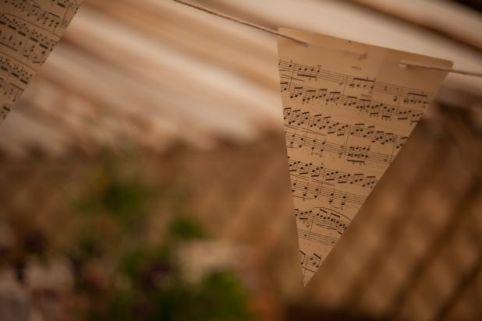 musical bunting