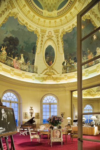 wedding venue france Chateau Artigny