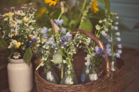wild wedding flowers © - Christy Blanch Photography / French Wedding Style Blog