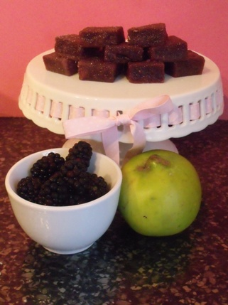 apply and blackberry pate de fruit