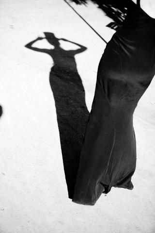 female silhouette paris