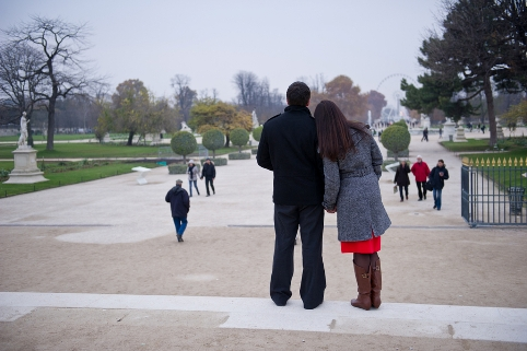 romance photoshoot paris