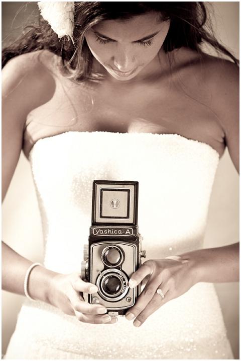 bride old fashion camera