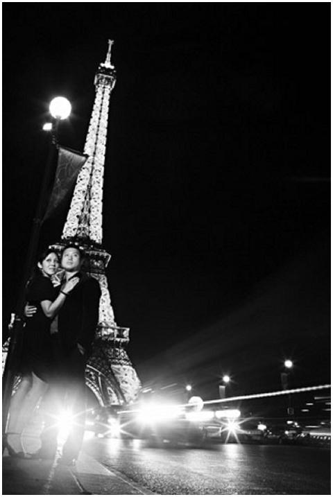 eiffel tower night engagement