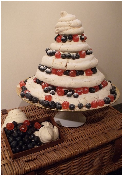 meringue wedding cake diy projects meringue cake 17263