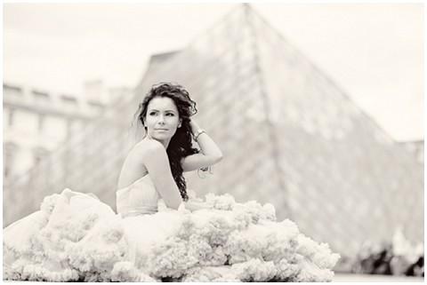 EmmPhotography louvre bride