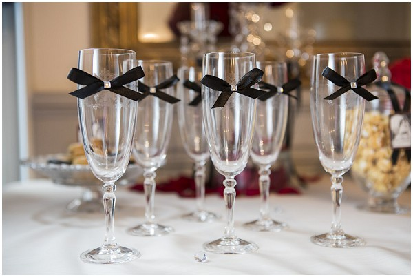wine glasses with bows