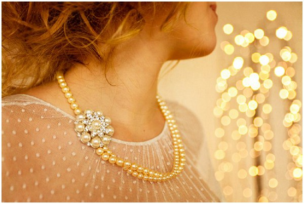 20s style necklace