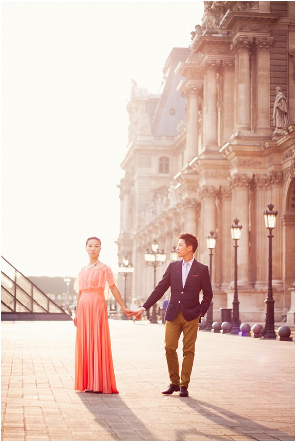 engagement photography louvre