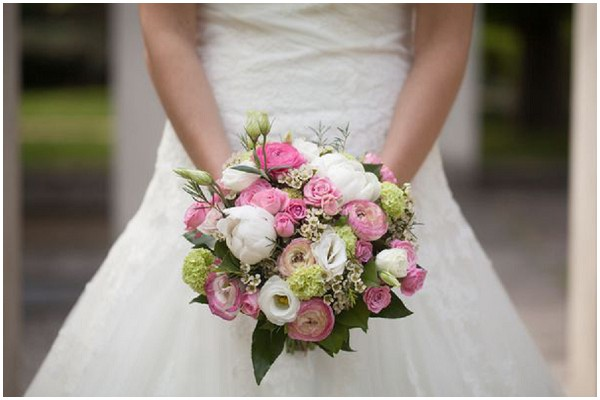 pink white bridal bouquet