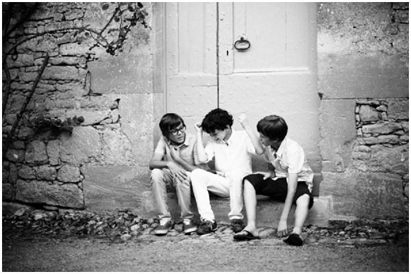 boys on step