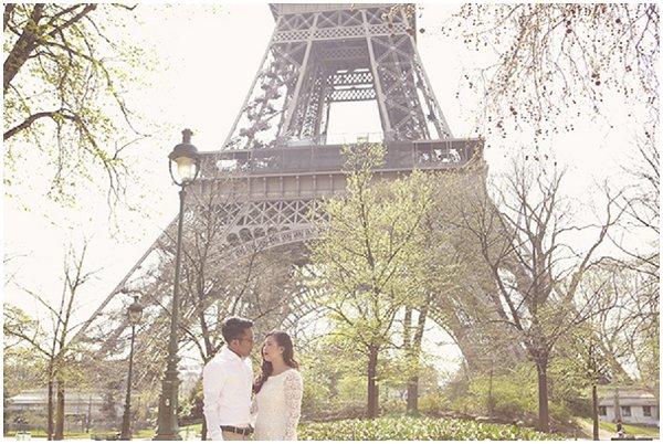 paris engagement photography