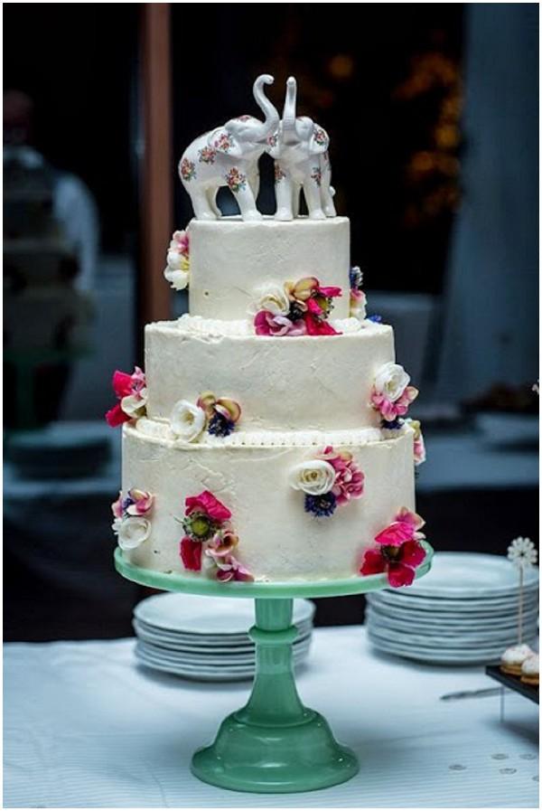 pretty white pastel cake