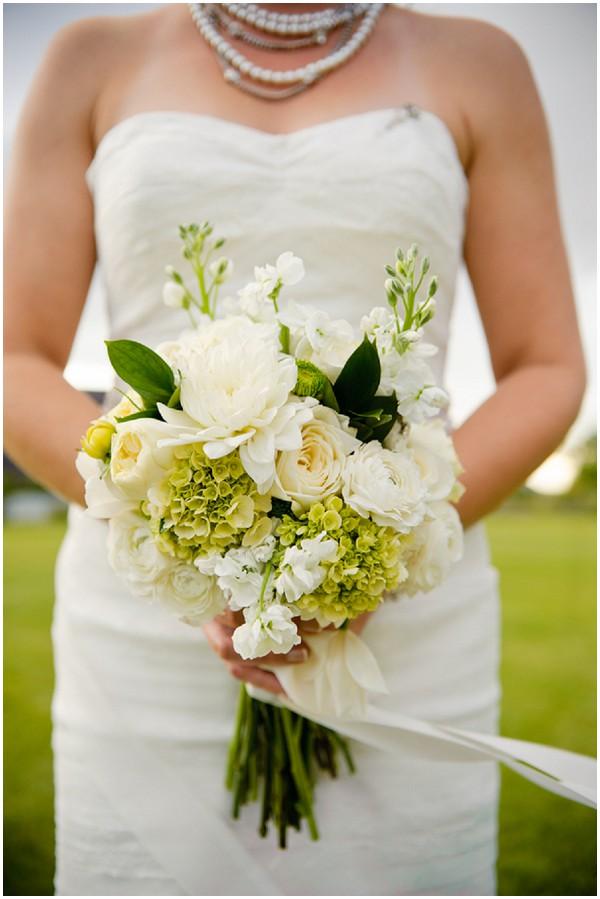 white green bridal bouquet
