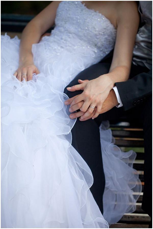 bride groom love