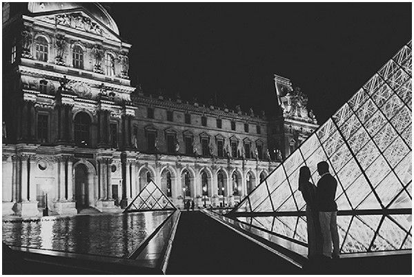 The beautiful Louvre Paris lit up / Photography © Ula Blocksage
