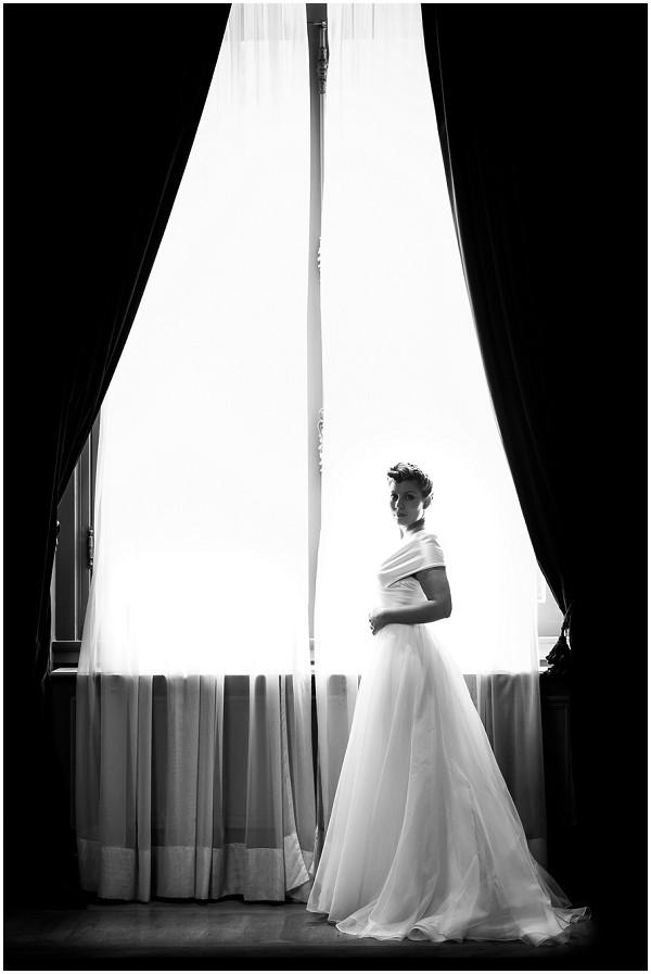 Black and white chic Parisian bride