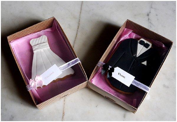 bride groom cookie favours