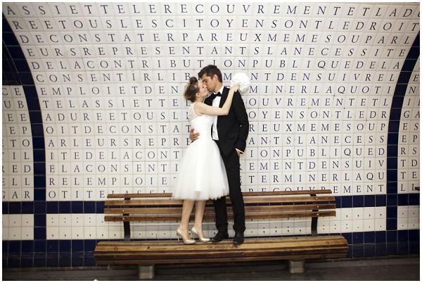 wedding paris metro station