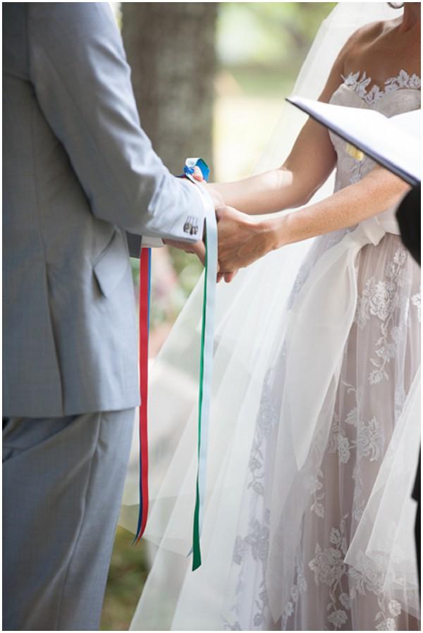 hand tie wedding ceremony