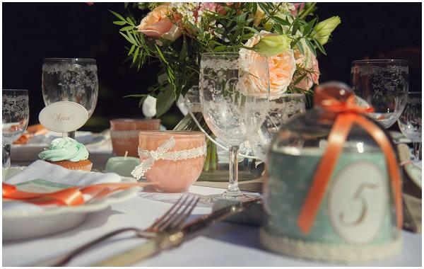 peach mint table style