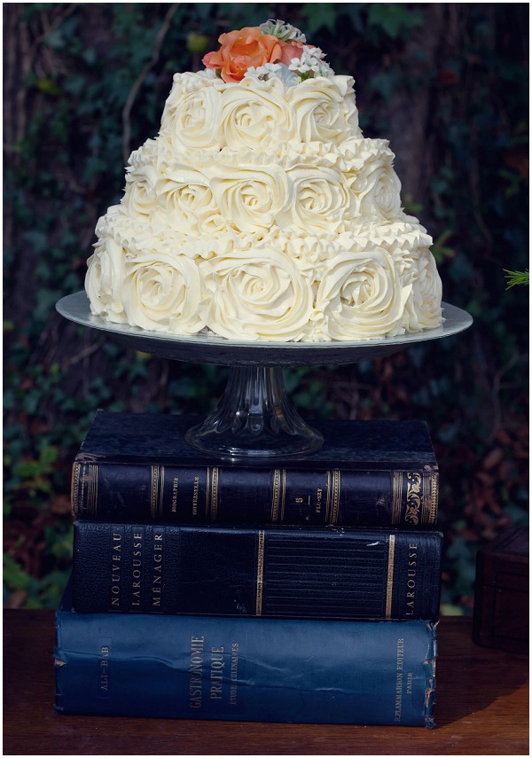 rose pipped french wedding-cake