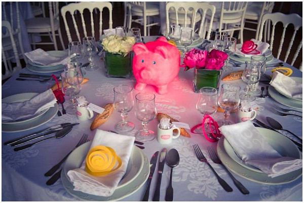 pink pig table centre