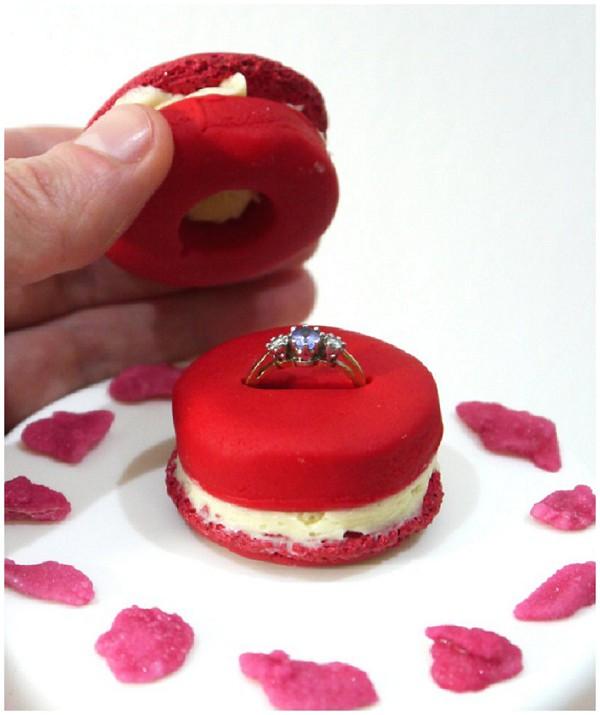 macaron proposal cake