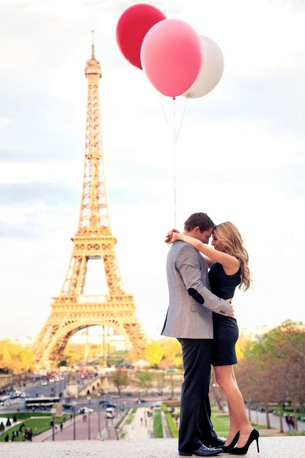 Paris photographer couple photo session in Paris