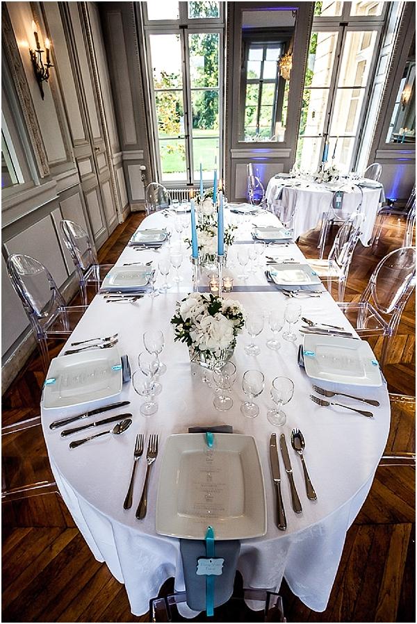 blue white wedding table