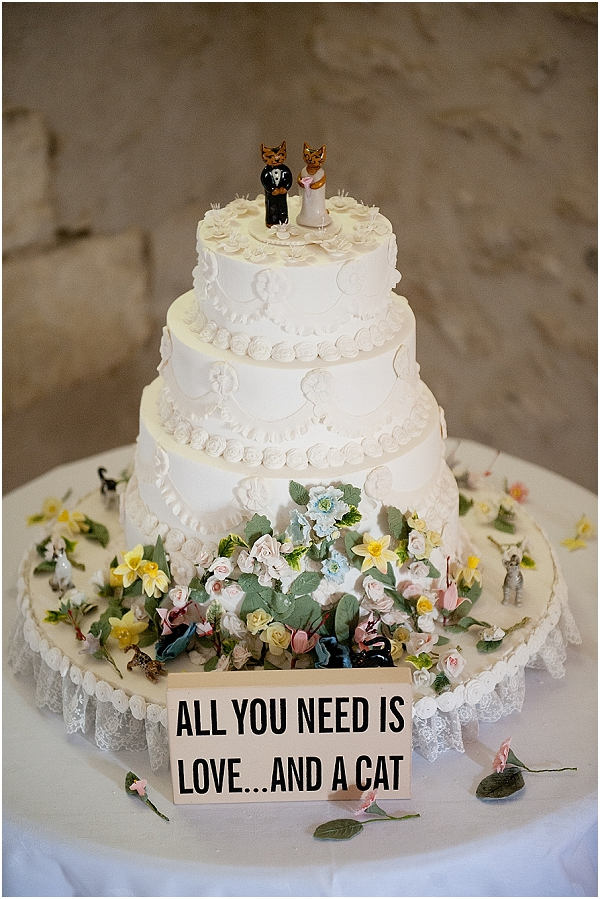 cat themed wedding cake
