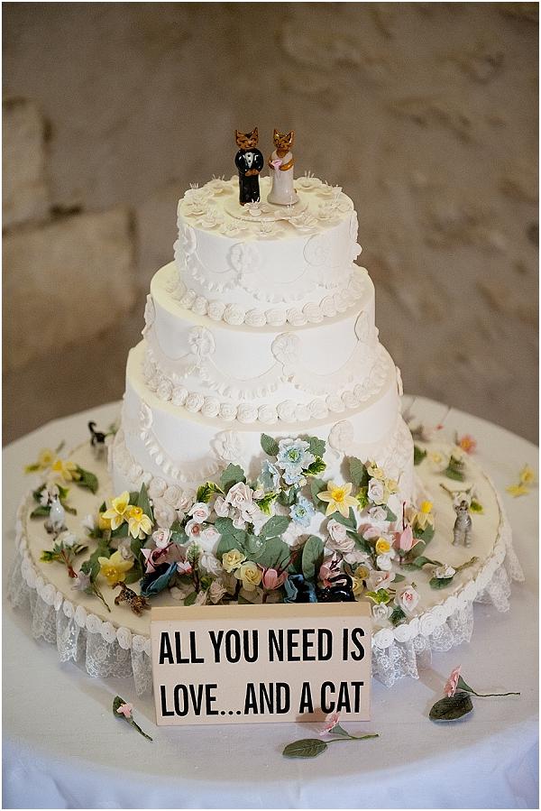 cat themed wedding cake