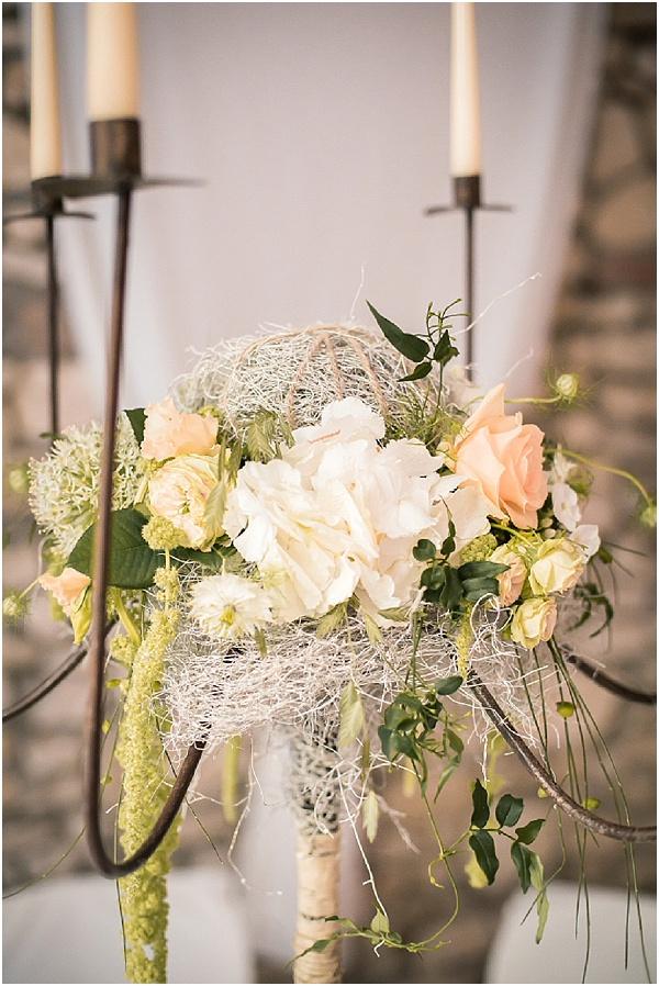 oversize white peach wedding flowers