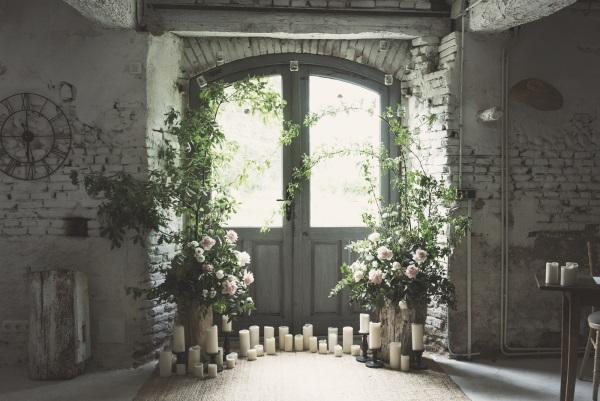 Domaine du Beyssac Wedding Arbor with white candles