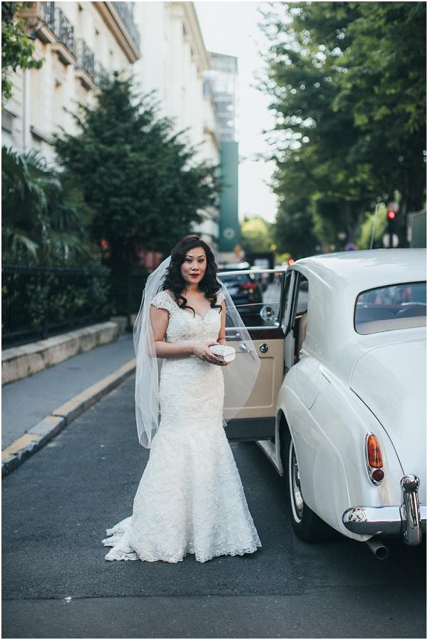 bride in paris street
