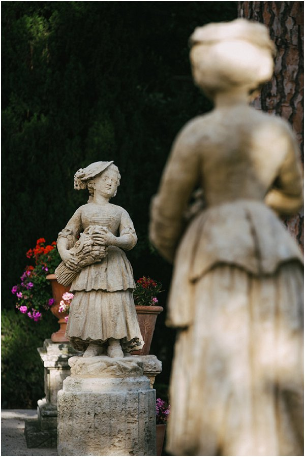 posh lady statues