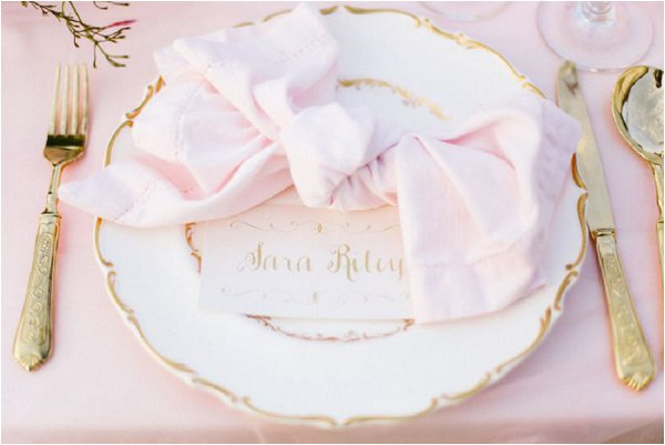 pink bow napkin