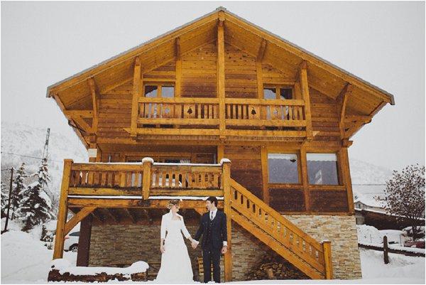 winter wedding in log cabin