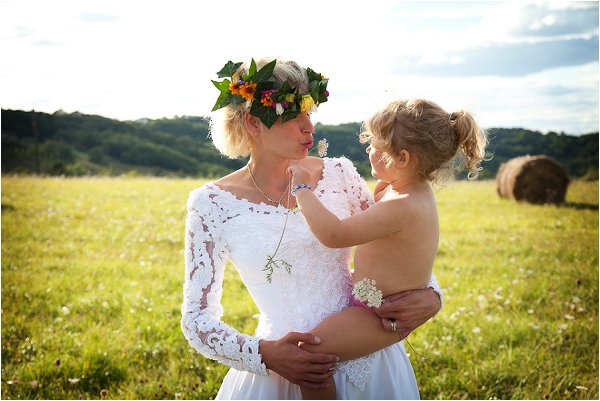 bride and young daughter
